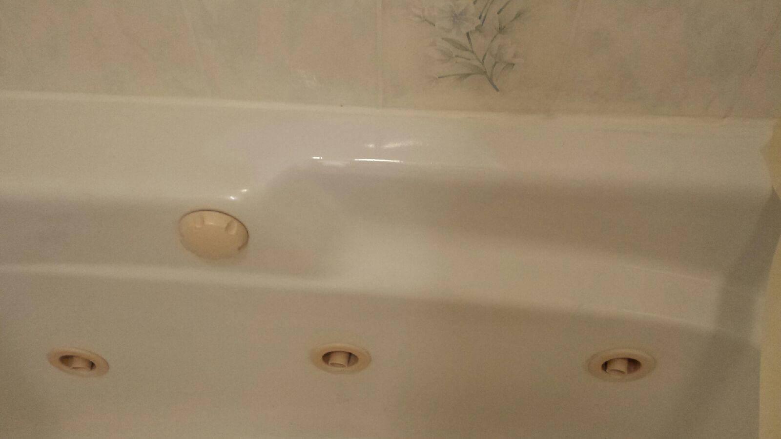 Large Chip in Acrylic Jacuzzi Repair - Bathtub Refinishing | Ohio ...